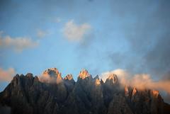 Sogni ricorrenti (VALERIA MORRONE  ) Tags: montagne sunrise nikon alba rosa down valeria rocce alto dolomiti adige d60  morrone  baranci dolomia enrosadira