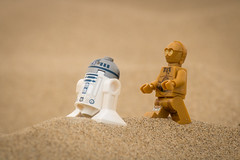 Wandering in the Desert (David Lim) Tags: lego batman rey star wars r2d2 bb8 c3po beach wonder woman jawa