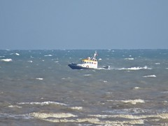 3506 Working boat underway (Andy panomaniacanonymous) Tags: 20160816 bbb boat ccc coast kent littlestoneonsea sea sss waves www