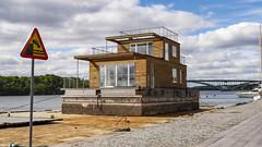 Transport of a new house in Stockholm, Sweden.16/8 2016. (photoola) Tags: stockholm norrmlarstrand byggnad building sweden photoola lake bridge sign