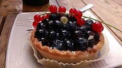 Dolce in Polonia (Marcolombrdi) Tags: varsavia warsaw breakfast sweet cake colazione blueberries mirtilli cestino