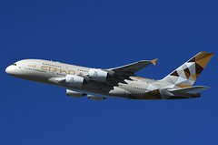 A6-APF - Etihad Airways A380 - NY Fashion Week (Jakub Wil.) Tags: new york ny nyc fashion week etihad airways airbus a380 kjfk jfk airport aviation aircraft spotting airplane nikon d7200 dslr