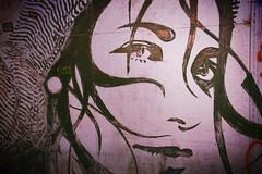 sguardo dal muro (Colombaie) Tags: libera rugby birthday party aperitivo compleanno squadra inclusiva omosessuali eterosessuali insieme assieme sport inclusivo inclusione integrazione roma bella sana esperienza ariaaperta giocare campo lgbt acrobax excinodromo vialemarconi pontemarconi serata raccolta fondi defibrillatore murales viso volto ragazza bn bw streetart