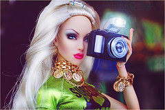 Sybarite Max O Million (Michaela Unbehau Photography) Tags: sybarite max o million superdoll superfrock uk camera blonde 16 doll michaela unbehau fashiondoll dolls photography mannequin model mode puppe fotografie toy convention las vegas