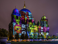 Berliner Dom - Berlin Leuchtet (dietmar-schwanitz) Tags: berlin berlinmitte deutschland germany berlinerdom cathedral church kirche lustgarten nacht night nightshot dunkelheit darkness licht light farben colours colors bauwerk building architektur architecture kunst art berlinleuchtet festivaloflights fol citylights nikond750 nikonafsnikkor1635mmf40ged lightroom dietmarschwanitz