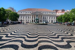 D. Maria II National Theatre (Tony Shertila) Tags: 20160817155120 chiado geo:lat=3871361822 geo:lon=913926776 geotagged lisboa portugal prt outdoor europe city capitol weather day clear sky building architecture structure dmariaiinationaltheatre rossio rossiosquare waves pedroivsquare floor paving classical columns