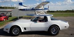 1980 Chevrolet Corvette, 1973 Cessna A185F float plane, C-FFOV - Tiger Boys Annual Air Day, Guelph Airpark, Ontario (edk7) Tags: nikond610 sigma1224mm14556dghsmex edk7 2016 canada ontario guelph guelphairport cnc4 guelphairpark aerodrome tigerboysaeroplaneworksflyingmuseum annualairday2016 1980chevroletcorvette car automobile auto vehicle classic vintage cessnaa185fskywagon sn18502096 1973 cffov floatplane aircraft plane airplane aviation passenger civilian civil private generalaviation teledynecontinentalio520daircooledhorizontallyopposedsix300hp