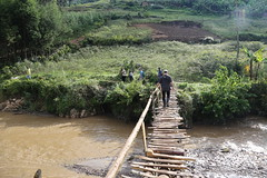 DR Congo Artisanal Gold Mining (UNEP Disasters & Conflicts) Tags: drcongo mining unenvironment uneppcdmb water bridge unep artisanalgoldmining artisanalmining southkivu butuzi easterndrcongo monusco partnershipafricacanada pac 2016