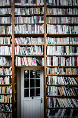 Les livres font le mur (Eero Capita) Tags: livres murs lbrairie limal profondsart nikon d7100 1020 sigma