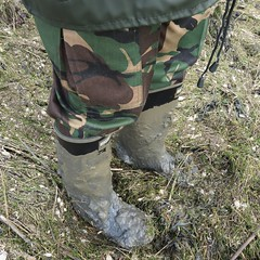 Hunter Bullseye archive (essex_mud_explorer) Tags: hunter bullseye hood bullseyehood rubber wellington boots wellingtonboots rubberboots caoutchouc gummistiefel bottes gumboots rainboots rubberlaarzen wellies wellingtons welly mud muddy schlamm boue