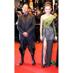 #redcarpet ญาญ่าหญิง สะกดสายตา กองทัพ สื่อมวลชนทั่วโลก @yayaying_yaya #yayaying #YayayingRhathaPhongam in #Cannes2013 #OnlyGodForgives #FestivaldeCannes - Du 15 au 26 mai 2013