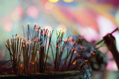(kuuan) Tags: colors pagoda takumar bokeh vietnam m42 mf saigon manualfocus incense hcmc screwmount chavnhnghim supertakumarf1985mm