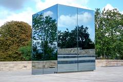 Cube (KPPG) Tags: spiegelung fahrstuhl brdergrimmwelt kassel