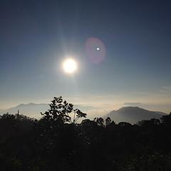 (Arun Bharhath) Tags: munnar kerala iphone mobile photography sun clouds mountains nature sunray