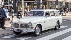 Volvo P221 stationwagon (R. Engelsman) Tags: p221 volvo car auto vehicle automotive oldtimer classiccar klassieker driving street rotterdam rotjeknor roffa 010 coolsingel nederland netherlands holland milieuzone protest estate wagon stationwagon old 1965