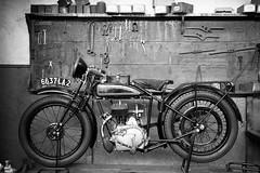 old motor (Tiph Haine) Tags: canon 6d french franais france canon6d fullframe pleinformat canonfrance eos amateur lightroom canoneos6d 24105 24105mm f4 is usm l llenses canonef24105mmf4lisusm llens tpix discover bruxelles belgium travel ville city motorbike museum autoworld bw blackandwhite