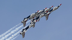 McChord AFB airshow 27Aug16.26 (Pervez 183A) Tags: jointbaselewismcchord mcchord afb airshow thunderbirds usaf f16