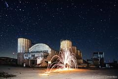 Anillo de fuego en la vieja cementera. / Ring of Fire at the old Cement Factory. (Recesvintus) Tags: pozocaada albacete espaa spain lightpainting nightphotography fotografanocturna longexposure largaexposicin cielo estrellas stars sky starry esrellado recesvintus
