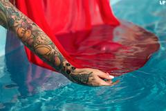 Alessia Amoruso (kant53) Tags: modella ragazza piscina persone parcofalisco tatuaggi allaperto esterno riflessi colori
