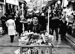 .3.8.5. (la_imagen) Tags: trkei turkey trkiye turqua istanbul istanbullovers sokak sw bw blackandwhite siyahbeyaz street streetandsituation streetlife strasenfotografieistkeinverbrechen monochrome streetphotography menschen people insan