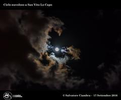 D8A_8574_bis_San_Vito_Lo_Capo (Vater_fotografo) Tags: nikonclubit nikon nuvole natura nwn nuvola nube ngc ncg sicilia salvatoreciambra sanvitolocapo sanvito spiaggia seascape luna vaterfotografo ciambra clubitnikon cielo controluce