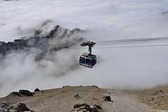 Téléphérique au dessus des nuages (Mystycat =^..^=) Tags: téléphérique télécabine hautespyrénées midipyrénées france picdumididebigorre montagne nuages merdenuages sommets seaofclouds 65 paystoy