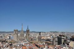 Barcelona. Cathedral church of the Holy Cross and Saint Eulalia outstanding in the middle of the Gothic Quarter. Seen from the belltower of the Sants Just i Pastor basilica. (Catalan Art & Architecture Gallery (Josep Bracons)) Tags: josep bracons catalunya catalonia catalua catalogne katalonien art catala catalan arte kunst gallery barcelona barcelone ciutat ciudad city ville barri gotic barrio gotico catedral seu seo cathedrale cathedral esglesia iglesia eglise church terrats teulades tejados roofs toits arquitectura architecture gtic neogotic gotico neogotico neo gothique gothic revival neogothic tower torre tour spire fleche agulla chapitel aguja cimbori cimborrio tour lanterne lantern tower campanar campanario bell clocher campanile cityscape collserola