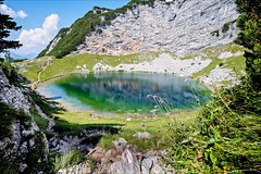 Seehornsee (Heinrich Plum) Tags: heinrichplum plum fuji xe2 xf1024mm mountain lake berg see bergsee berchtesgadenerland berchtesgadeneralpen hiking berggehen wandern sommer summer greenlake alpen alps bavaria austria salzburgerland