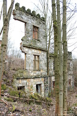 Hospoda Lebedrna #07 (FeetNoBorders) Tags: old abandoned unknown lost forgotten wasted decay czech republic republika r esk cz feetnoborders nohybezhranic fnb panorama architecture building history historical dangerous damaged destroyed ruin mossy bricked interior exterior pub stone stoned czechoslovakia