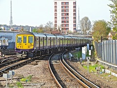 319431 At East Croydon (Deepgreen2009) Tags: station electric train fcc railway arrival eastcroydon thameslink 319