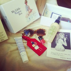 @elisegerrer je l'ai eue  #mylittlebox#sun#glasses#nails#naillacquer#sephora#body#cream#summer#coconutwater#love#it#instagram#instagood (passionthe) Tags: paris les french little box gift surprise sa femmes beaute choisir toutes mylittlebox mylittleparis boxicomane