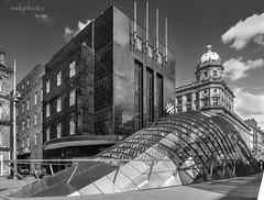 Glasgow (swkphoto) Tags: glasgow city centre subway bridge squiggly swkphoto car wheels padlocks underbridge girderes railway red mono pylons bollards graffeti kingston squinty