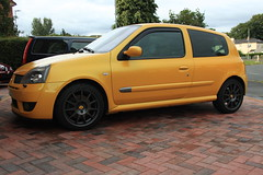 LY 182 27-07-16 002 (AcidicDavey) Tags: liquid yellow renault clio 182 renaultsport ly
