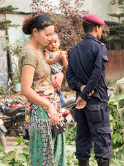 Mother and child (davdenic  in the sky ) Tags: nepal people street streetphotography asia