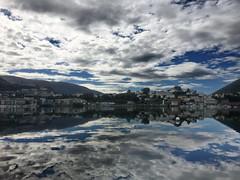Bergenske linjer -|- Sky & sea in Bergen (erlingsi) Tags: sea sj storelundegrdsvann bergen hordland norway skyer clouds sky himmel spegling reflection explored