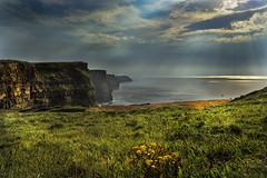 Cliff of Moher_irlanda (VinTer59) Tags: irlanda cliff scogliere moher esternoorizzontale nuvole raggidisole