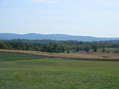 Antietam Battlefield (Photo Squirrel) Tags: field battlefield antietam sharpsburg fenceline fence mountain