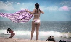Unforgettable memories of a memorable afternoon (Quiros) Tags: tooquiroz purple sea bikini mexican girl latin woman sensual voyeur candid back ass sand blue faceless swimsuit beach derriere bum sexy skyn natural ordinary