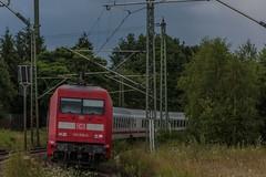 2573_2016_07_12_Baunatal_Guntershausen_DB_101_008_&_IC_2377_7_Reisezugwagen_Frankfurt_&_101_036_Frankfurt_(Main) (ruhrpott.sprinter) Tags: ruhrpott sprinter deutschland germany nrw ruhrgebiet gelsenkirchen lokomotive locomotives eisenbahn railroad zug train rail reisezug passenger gter cargo freight fret diesel ellok hessen inselbahnhof guntershausen boxxboxxpress db cantuscan hebhlbahn hhla mrcedispo rbk rpool sbbc 0452 101 114 145 146 152 185 193 427 428 429 482 946 kurhessenbahn ic re outdoor logo graffiti natur wolken clouds