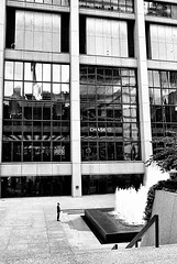 Carbon (draketoulouse) Tags: chicago loop street streetphotography blackandwhite monochrome people plaza dearborn chase exelonplaza downtown architecture building city urban bank fountain outdoor
