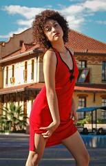 Descubriendo (Jonateo) Tags: mxico rojo colores cielo contraste museo historia vestido aguascalientes azu sesin parquetrescenturias