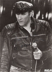 Grard Depardieu (Truus, Bob & Jan too!) Tags: cinema film leather vintage movie french star kino gamma postcard picture cine screen singer movies actor microphone postal 1980 franais rca postale cartolina carte grard postkarte danton ansichtskarte ansichtkaart filmster depardieu postkaart briefkaart grarddepardieu tarjet briefkarte ilsontditmoteur