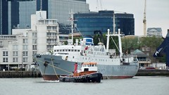 cultural ark/exhibition ship ms stubnitz & bartletts creek tug christine /17/05/2013/ (philip bisset) Tags: england london unitedkingdom canarywharf riverthames northgreenwich isleofdogs greenwichpeninsula londondocklands westindiadock londonboroughoftowerhamlets o2arena royalboroughofgreenwich 17052013 bartlettscreektugchristine culturalarkexhibitionshipmsstubnitz