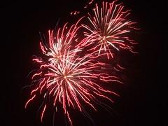Fireworks (Stuart Axe) Tags: uk greatbritain england display fireworks unitedkingdom explosion guyfawkes firework gb explosions essex bonfirenight november5th chelmsford frightnights fireworksdisplay hylandspark frightnight 5thnovember november5 5november writtle countyofessex