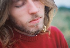 (Hijo de la Tierra.) Tags: marcela flower portrait lifestyle 35mm film analog analogue face boy longhair blond soft autumn countryside uruguay