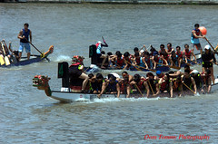 team effort (tomzcafe) Tags: dragonboatrace singaporeriver singapore nikon8020045 d70 nikon