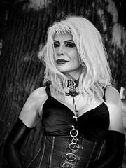Sexy woman! (ingrid eulenfan) Tags: wavegotiktreffen 2016 leipzig le wgt wave wgt2016 gothicfestival gothic gotik gotic gotica gotiche gotisches gothicanhnger schwarzeszene szene goths accessoires festival picknick clarazetkinpark frau sexy blond corsage sexywoman portrait