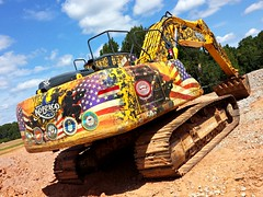 American Pride (Dave* Seven One) Tags: america americanpride us army marines navy airforce coastguard oldglory kobelco earthmover heavyequipment digitalcamouflage soldiers support