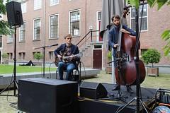 Jelle Willems Duo 7464-9_4774 (Co Broerse) Tags: music composedmusic contemporarymusic popularmusic jazz amsterdam 2016 cobroerse jellewillemsduo jellewillems guitar tijsklaassen doublebass jazzattheplantage hermitage hermitageamsterdam