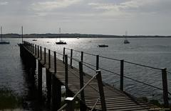 l'avance en mer (HaBaDisDonc (HBDD)) Tags: france agon mer pointe bateaux contrejour manche